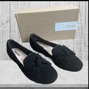 Clarks Bow detailed Suede Flats Size 7